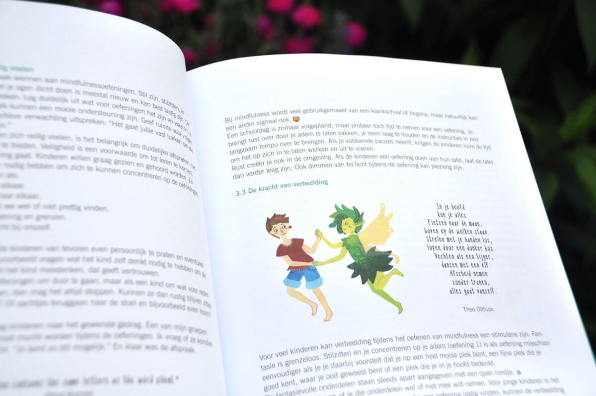 Sanne Bruinsma Illustraties & Vormgeving - Spelen in Stilte Mindfulness boek Irma Smegen lesmethode kinderen school leren onderwijs mindful